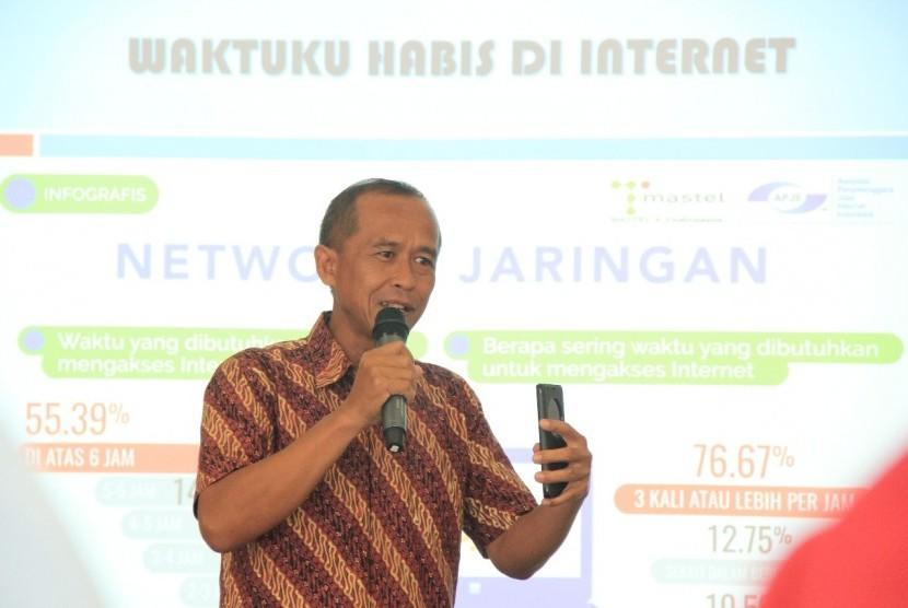 Kepala Operasional Republika Online (ROL) Slamet Riyanto memberikan paparan pada acara seminar digital marketing yang diadakan oleh Indonesian Islamic Travel Communication Forum (IITCF) bekerja sama dengan Harian Republika.