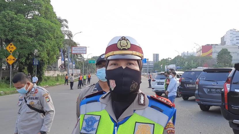 Kepala Pos Penyekatan Mudik di Gerbang Tol Bekasi Barat, AKP Winarsih, Rabu (12/5).