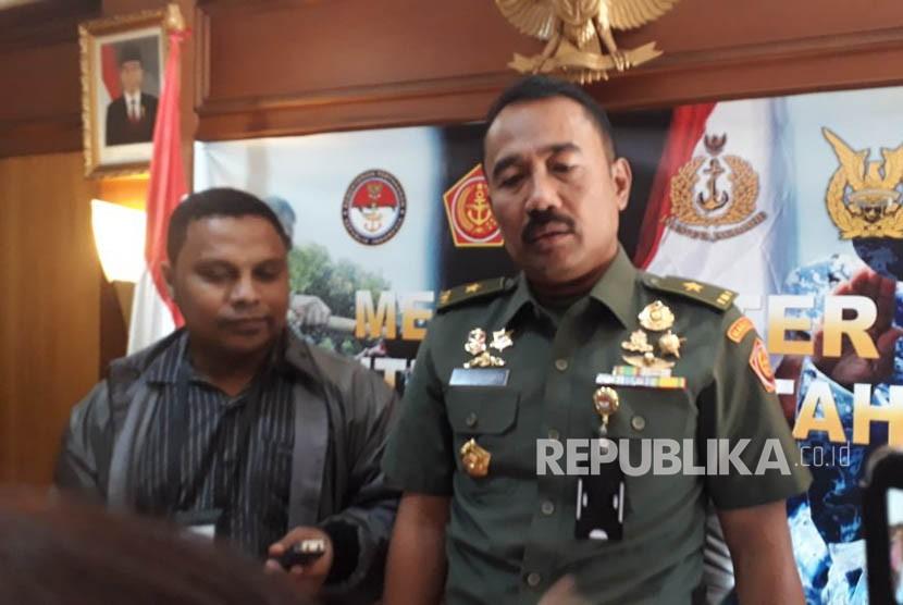 Kepala Pusat Komunikasi (Kapuskom) Publik Kemhan Brigjen TNI Totok Sugiharto.
