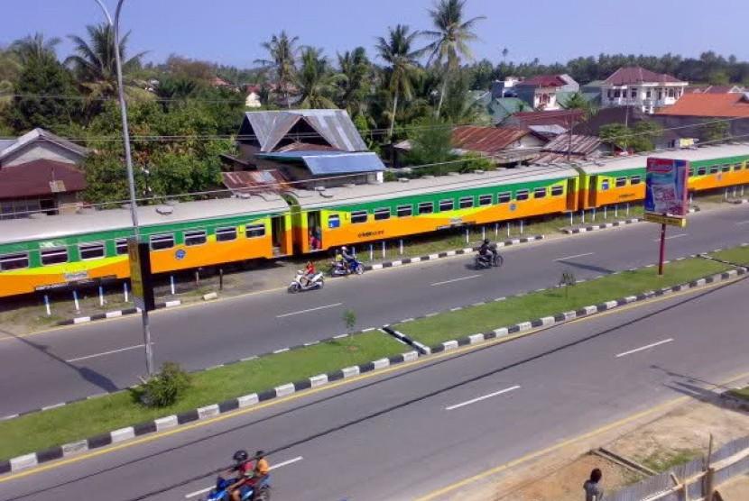 Kereta api di Padang Pariaman.