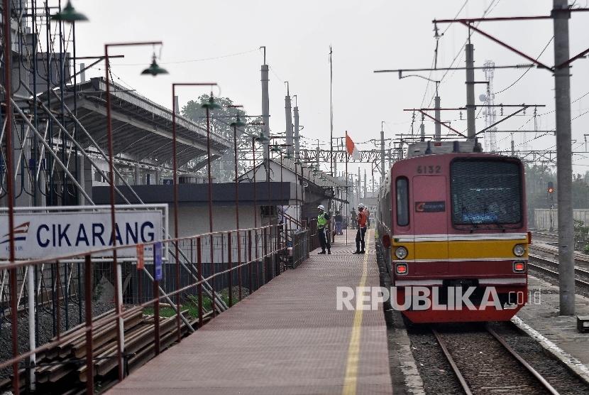 Jarak Kedatangan Krl Jakarta Kota Cikarang Terlalu Lama Republika