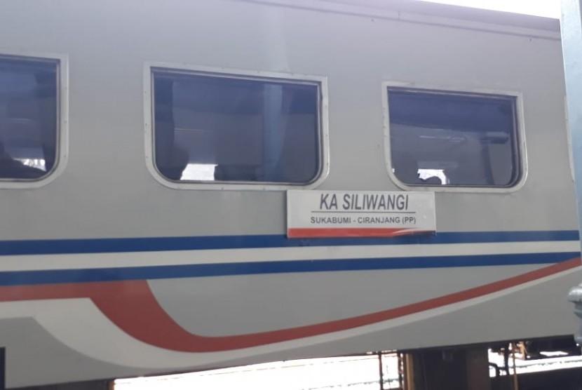 Kereta Siliwangi rute Sukabumi-Cianjur, Jawa barat.