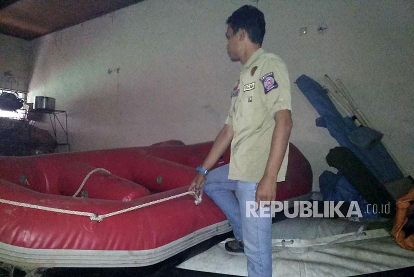 Kesiapan alat-alat antisipasi bencana banjir oleh Taruna Siaga Bencana Kota Bekasi telah 100 persen.