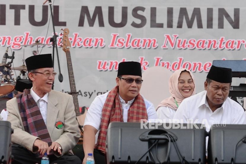 Ketua Bamusi Hamqa Haq (kiri), Ketua PBNU Marsudi Syuhud (tengah), Wasekjen PDI Perjuangan Achmad Basarah (Ilustrasi)