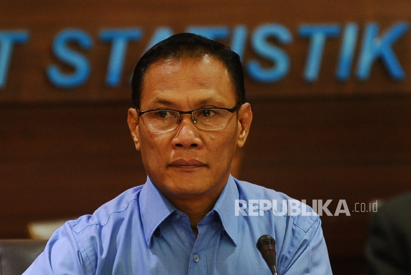 Head of the Bureau Suhariyanto said that there are 16.2 million registered businesses located in Java, which makes up 60.74 percent of the total number of companies in Indonesia.