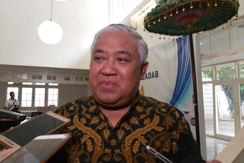 Ketua Dewan Pertimbangan Majelis Ulama Indonesia (MUI) Din Syamsuddin memberikan keterangan kepada wartawan di Kantor CDCC, Jakarta Selatan, Kamis (27/9).