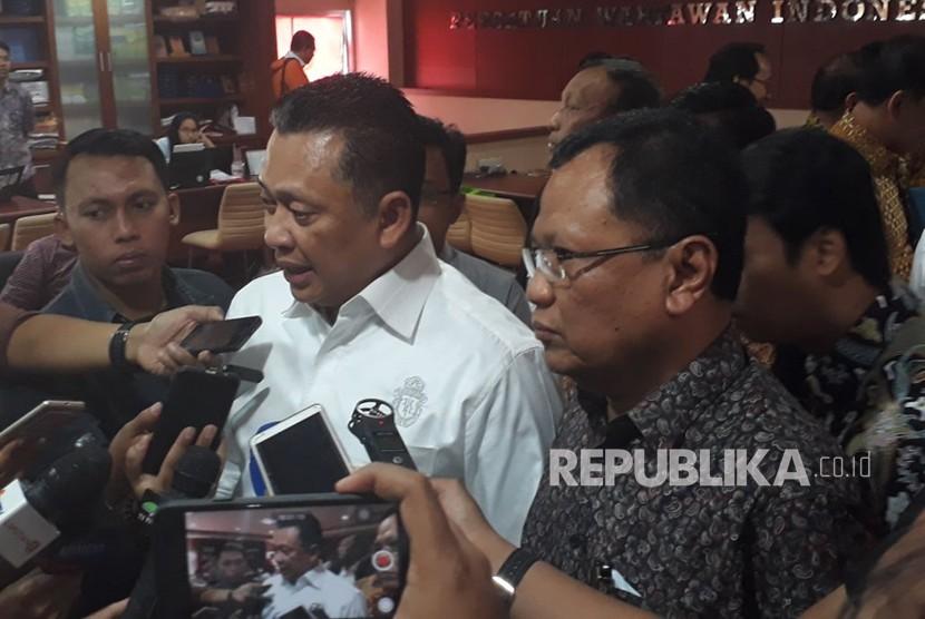 Ketua DPR, Bambang Soesatyo mendatangi Gedung Dewan Pers, Kebon Sirih, Jakarta Pusat, Selasa (20/2).