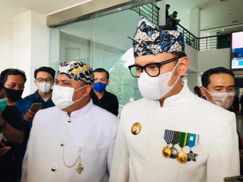 Ketua DPRD Kota Bogor, Atang Trisnanto dan Wali Kota Bogor, Bima Arya Sugiarto di gedung DPRD Kota Bogor.