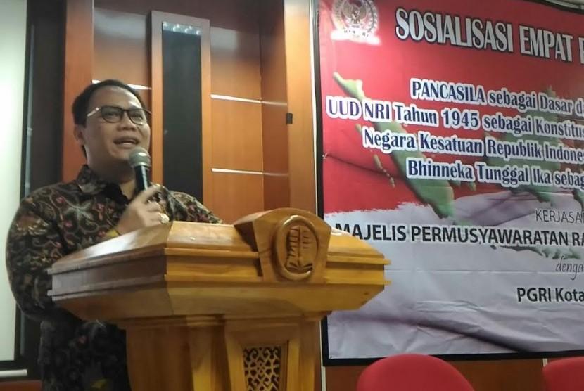 Ketua Fraksi PDIP di MPR Achmad Basarah.