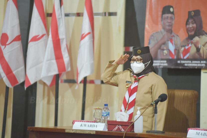 Ketua Gerakan Pramuka Daerah Kalimantan Selatan (Kalsel), Raudatul Jannah, melantik Majelis Pembimbing Cabang Gerakan Pramuka Tanah Laut masa bakti 2020-2025.