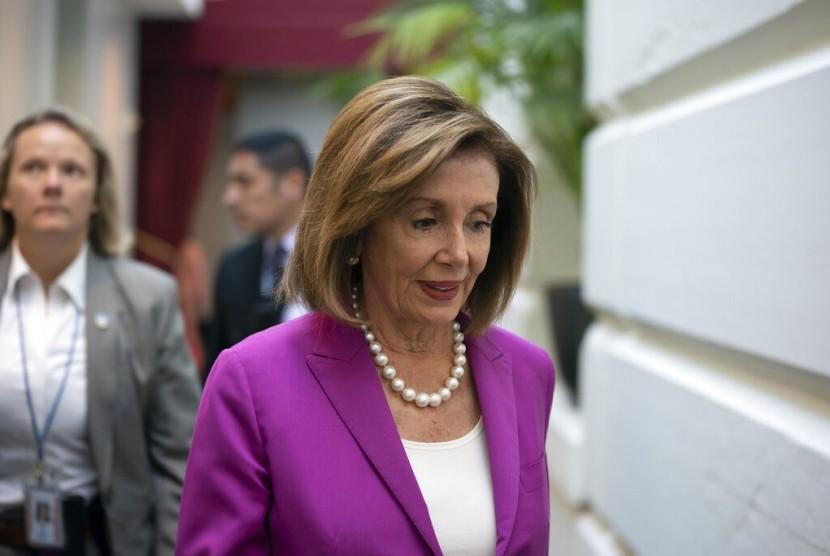 Ketua House of Representative Amerika Serikat (AS) Nancy Pelosi di Capitol, Washington sebelum meloloskan resolusi mengecam komentar rasialis Presiden AS Donald Trump, Selasa (16/7).