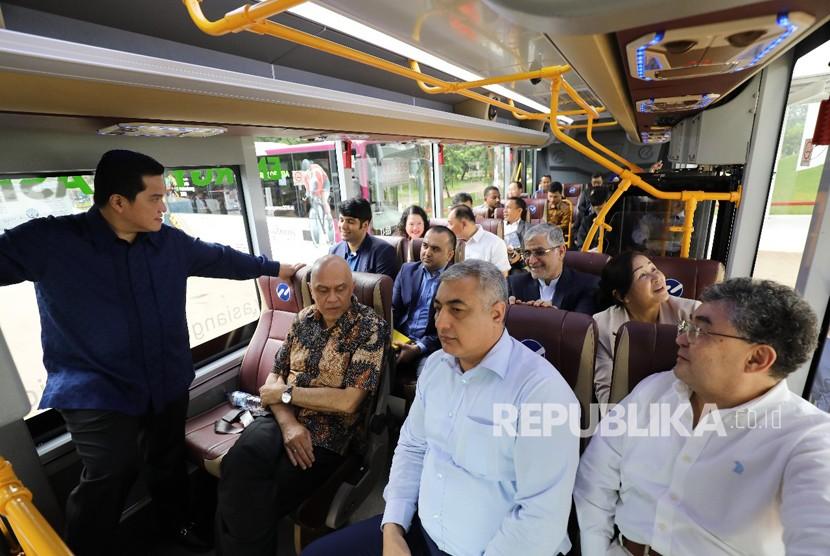 Ketua Inasgoc Erick Thohir,  dalam acara Inasgoc dan Kementerian Luar Negeri yang diikuti perwakilan 45 negara peserta Asian Games 2018.  Acara berlangsung Rabu (28/3) di Hotel Fairmont Jakarta.  Dilanjutkan meninjau Venue Asian Games 2018 di kawasan GBK Senayan.