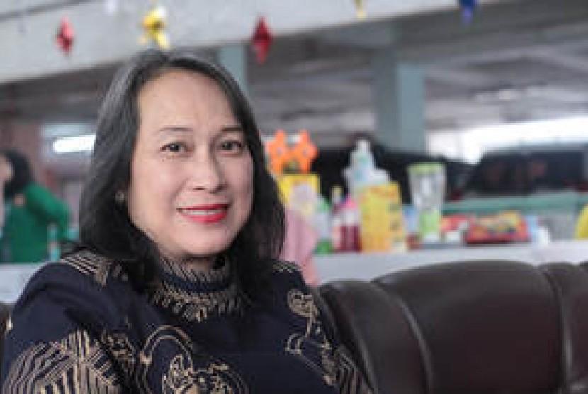 Ketua Jurusan Bahasa Prancis STBA Yapari-ABA Dra. Lina Syawalina, Dipl. CIFR, M.Pd