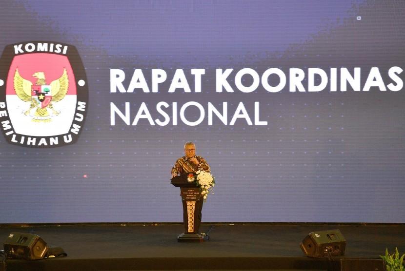 Ketua Komisi Pemilihan Umum (KPU) Arief Budiman menyampaikan arahan dalam Rapat Koordinasi Nasional (Rakornas) Kesiapan Penyelenggara Pemilu Serentak 2019 di Jakarta, Sabtu (17/11/2018).