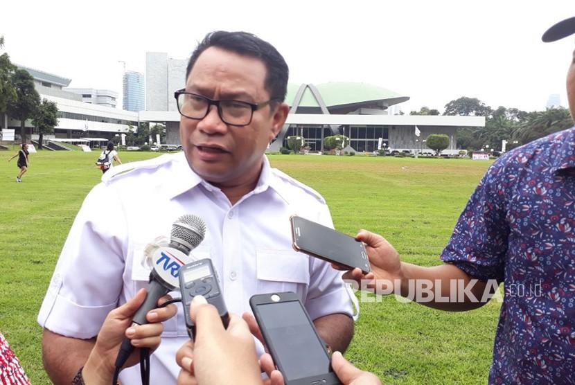 Ketua Komisi V DPR Fary Djemi Francis saat ditemui di Komplek Parlemen, Senayan, Jakarta pada Selasa (6/2).