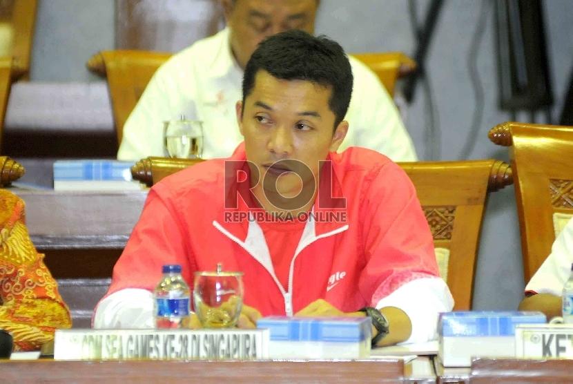 Ketua Kontingen Indonesia di SEA Games 2015, Taufik Hidayat mengikuti Rapat Dengar Pendapat Umum denga Komisi X DPR RI di Kompleks Parlemen Senayan, Jakarta, Senin (25/5)