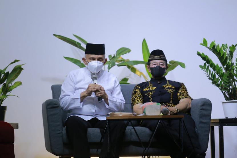 Ketua Majelis Syuro Partai Ummat Amien Rais saat berbicara pada acara Ekspresi Budaya Sejuta Wanita Mengetuk Pintu Langit di Sleman, DI Yogyakarta.
