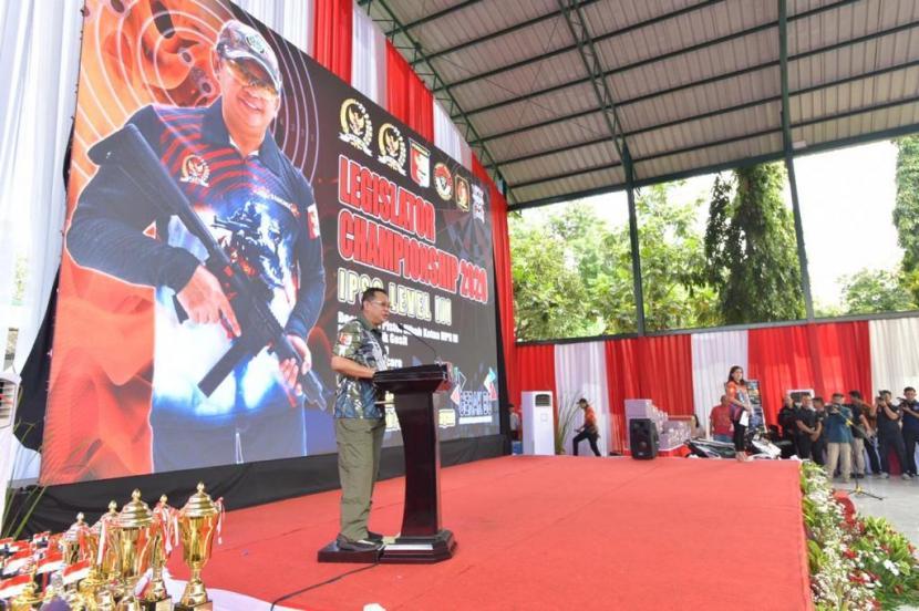 Ketua MPR Bambang Soesatyo didampingi para Wakil Ketua MPR Zulkifli Hasan, Jazilul Fawaid dan Fadel Muhammad menghadiri seremoni acara puncak Kejuaraan Menembak Reaksi Level III IPSC Legislator Championship 2020 Piala Ketua MPR, di Lapangan Tembak Senayan, Jakarta, Sabtu (7/3).