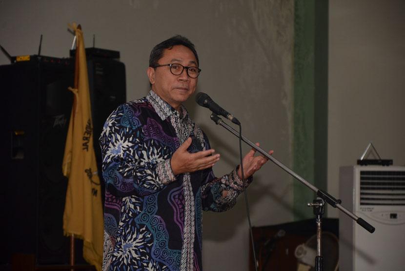 Ketua MPR RI Dr. Zulkifli Hasan, SE.,MM sampaikan tiga hal yang menjadi modal keberhasilan Indonesia  masa depan dihadapan mahasiswa Universitas Jenderal Soedirman (Unsoed), Kamis(3/9).
