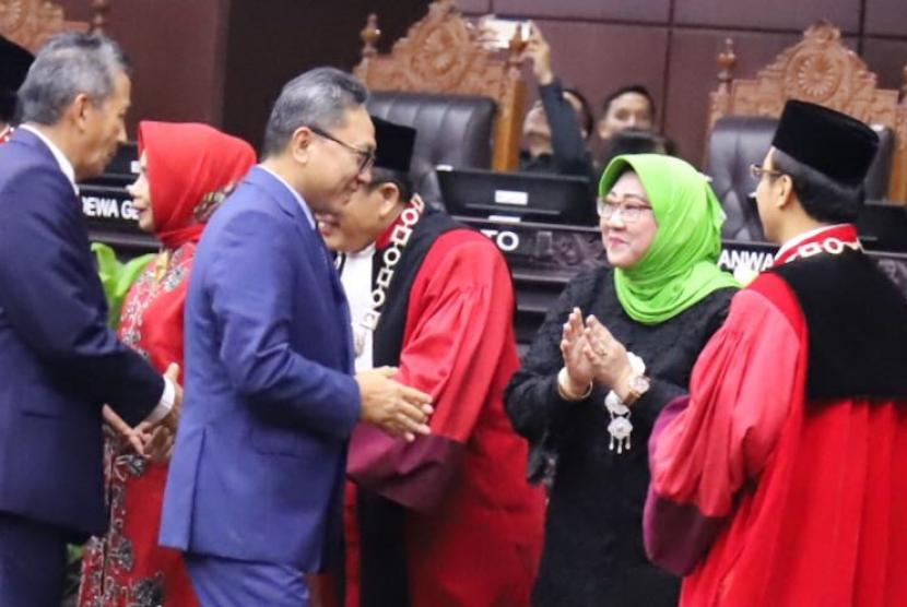 Ketua MPR RI Zulkifli Hasan menghadiri pelantikan Ketua MK baru, Anwar Usman.