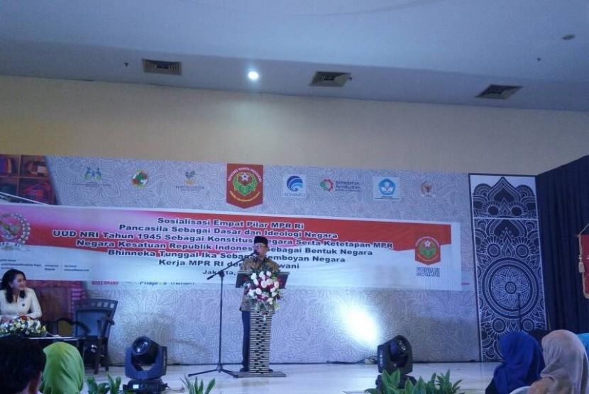 Ketua MPR RI, Zulkifli Hasan, saat mensosialisasikan empat pilar kebangsaan di acara Kowani Fair 2017 di Gedung Smesco, Pancoran, Jakarta Selatan, Sabtu (3/6).