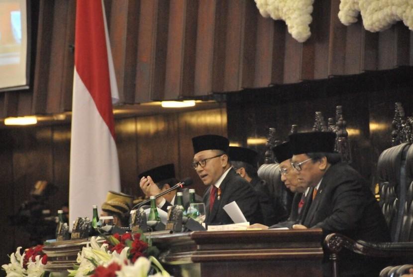Ketua MPR RI, Zulkifli Hasan, dalam Sidang Tahunan MPR di Gedung Parlemen, Senayan, Rabu (16/8).