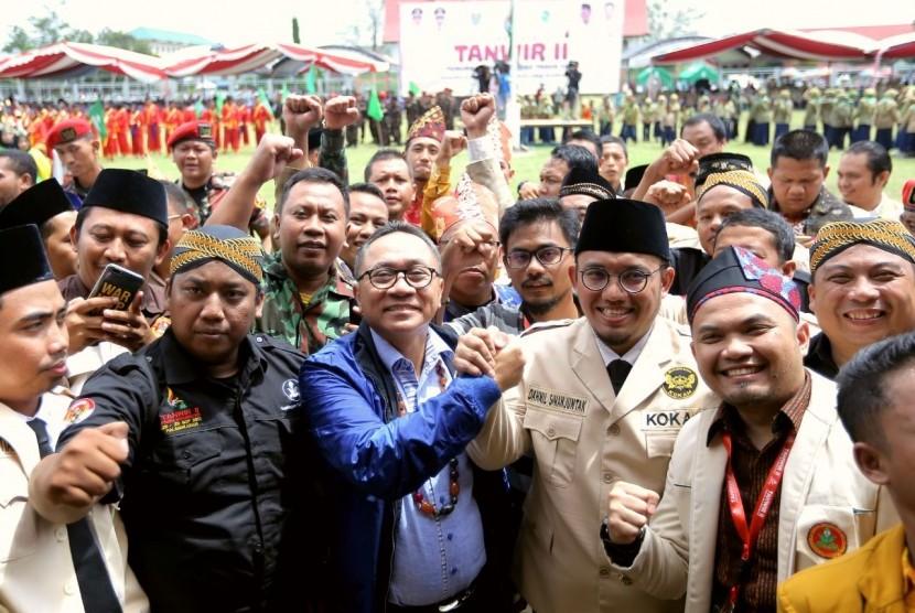Ketua MPR Zulkifli Hasan memberi Kuliah Umum di depan ribuan mahasiswa Universitas Palangkaraya, Palangkaraya, Kalimantan Tengah, Senin (27/11).