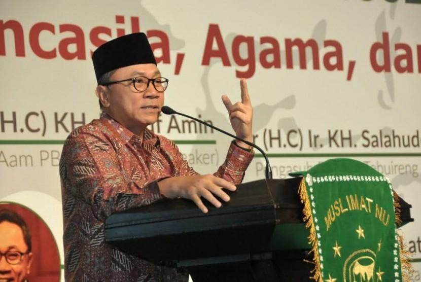 Ketua MPR Zulkifli Hasan menghadiri refleksi muslimat NU, Senin (27/3).