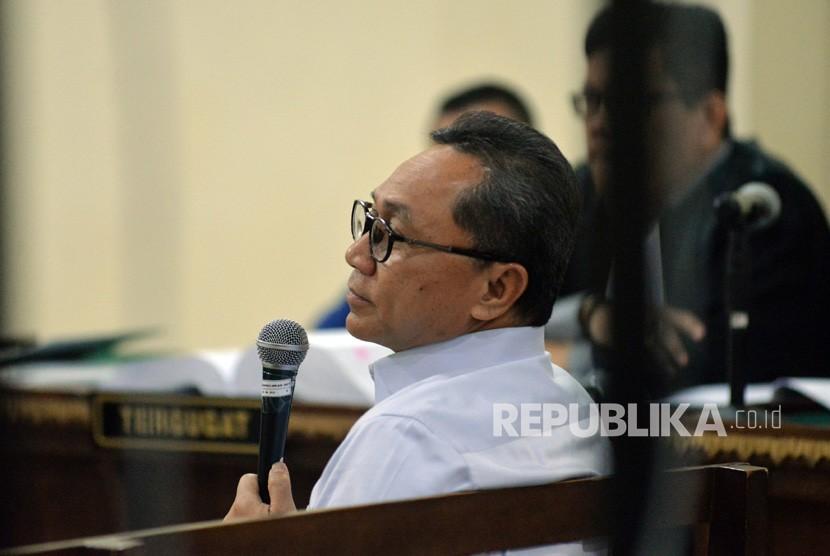 Ketua MPR Zulkifli Hasan saat memberikan kesaksian dalam persidangan di Pengadilan Tipikor Bandar Lampung, Lampung, Rabu (14/11/2018).