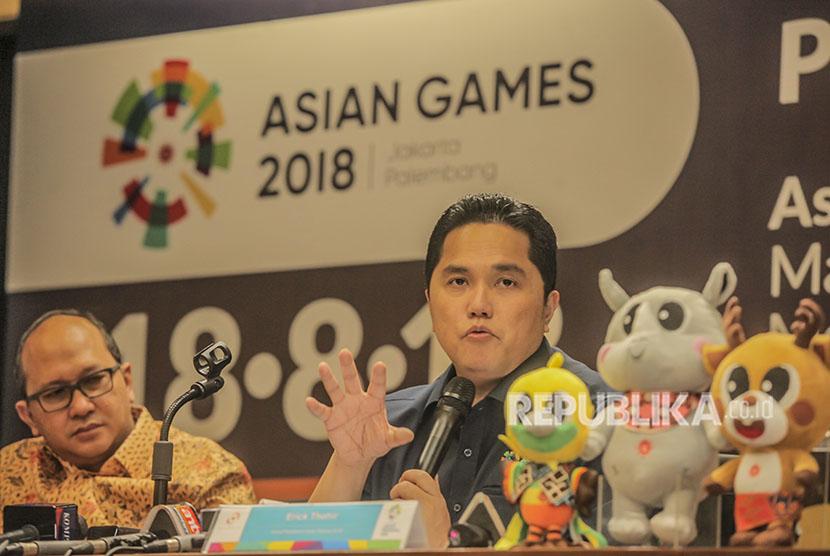 Ketua Panitia Pelaksana Asian Games 2018 Erick Thohir (kanan).