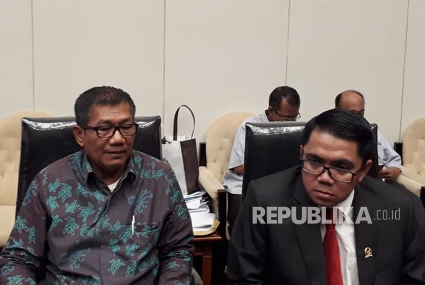 Ketua Pansus Hak Angket KPK, Agun Gunandjar (Kiri)