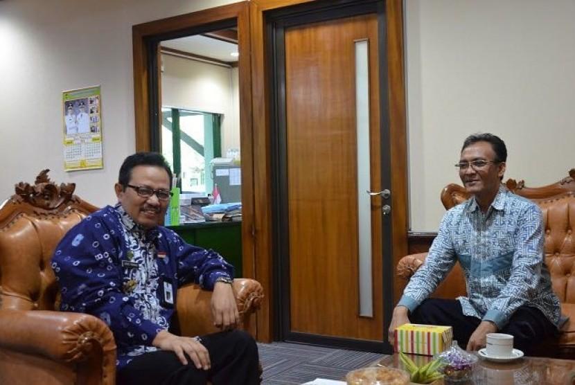 Wakil Wali Kota Yogyakarta Heroe Poerwadi (kiri)