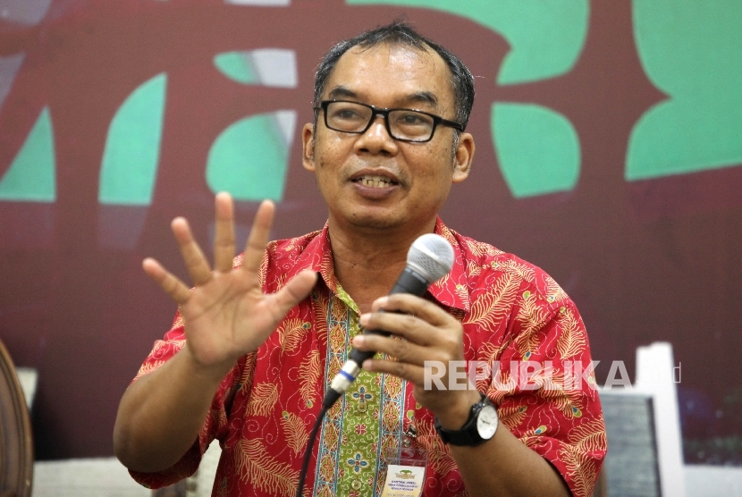Ketua Pengurus Harian Yayasan Lembaga Konsumen Indonesia Sudaryatmo.