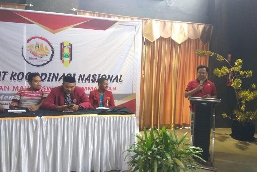 Ketua Umum DPD IMM DKI Jakarta, M. Huda Prayoga saat sesi penyampaian pandangan masing-masing perwakilan provinsi IMM di Rakornas Ikatan Mahasiswa Muhammadiyah 03-06 Juli 2019 di Pekanbaru, Riau.