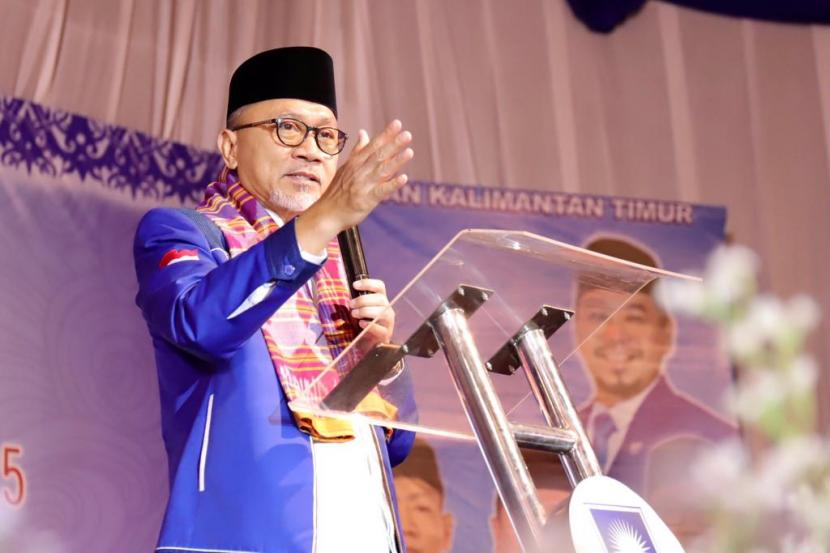 Ketua Umum DPP PAN Zulkifli Hasan menguslkan lockdown akhir pekan untuk menangani peningkatan kasus covid-19.
