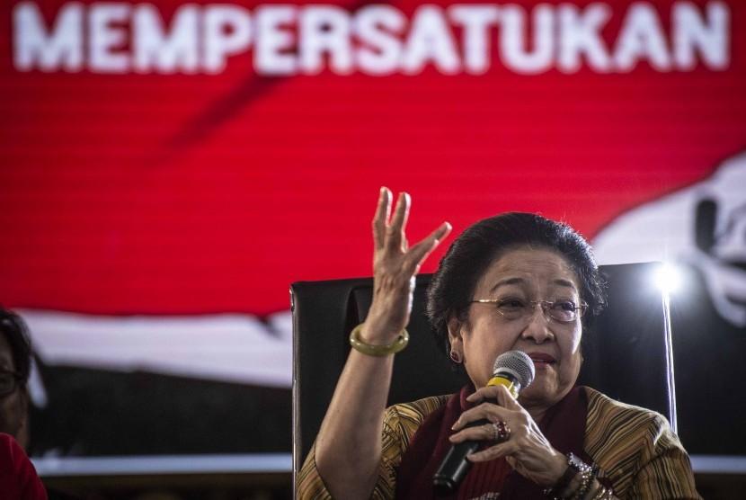 Ketua Umum DPP Partai Demokrasi Indonesia Perjuangan (PDIP) Megawati Soekarnoputri berbicara dalam acara Bu Mega Bercerita di Kantor DPP PDI Perjuangan, Jakarta, Senin (7/1/2019).