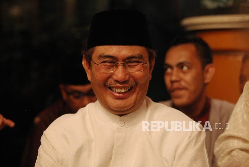 Ketua Umum ICMI Jimly Asshiddiqie saat menghadiri acara buka puasa bersama di kediaman B.J Habibie di Jakarta, Rabu (15/6)