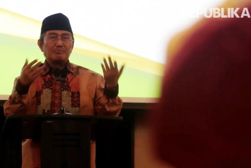 Ketua Umum Ikatan Cendikiawan Muslim Indonesia (ICMI) Jimly Asshidiqie