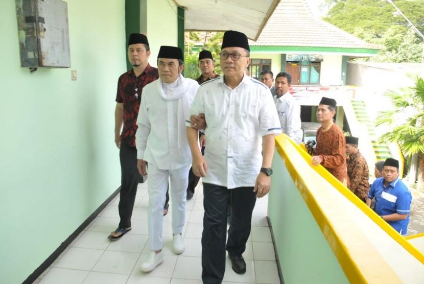 Ketua Umum Partai Amanat Nasional (PAN) Zulkifli Hasan bersama Ketua Umum Partai Idaman, Rhoma Irama