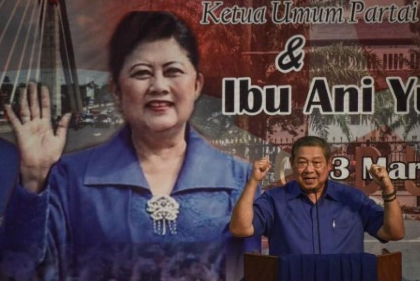 Ketua Umum Partai Demokrat Susilo Bambang Yudhoyono (SBY) dalam rangkaian dari SBY Tour De Jabar.