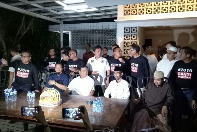 Ketua Umum Partai Gerindra, Prabowo Subianto menghadiri peresmian Sekretariat Bersama (Sekber) antara Partai Gerindra bersama Partai Keadilan Sejahtera (PKS).