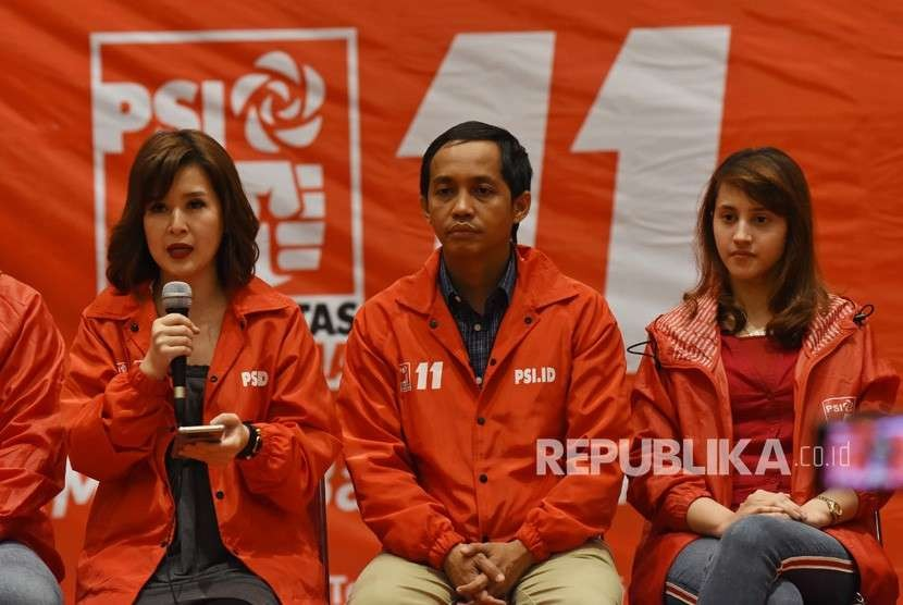 The Indonesian Solidarity Party (PSI) officials, Chairperson Grace Natalie (left), Secretary General Raja Juli Antoni (center), and DPP Chairman Tsamara Amany (right).