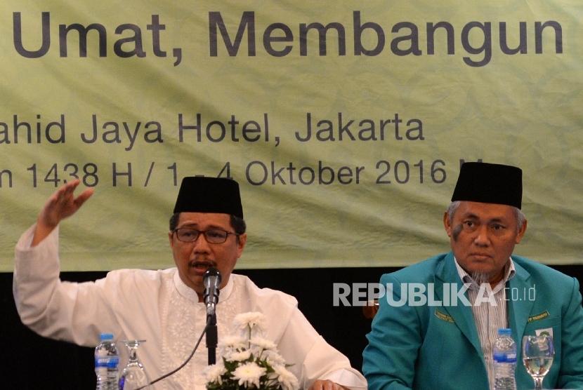 Ketua Umum PP Parmusi Usamah Hisyam (kiri).