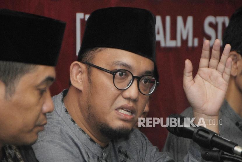 Ketua Umum PP Pemuda Muhammadiyah Dahnil Anzar Simanjuntak (kanan)