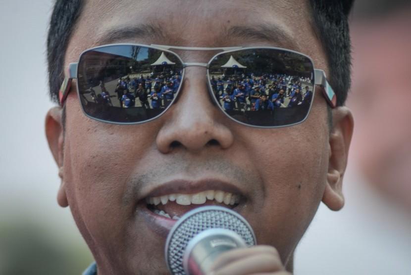 Ketua Ppp Diperiksa Kpk Picture: Lewat Romahurmuziy, KPK Dalami Dugaan Aliran Dana Ke PPP