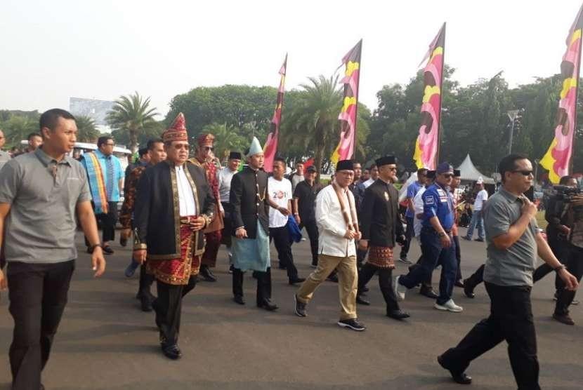 Ketum Demokrat Susilo Bambang Yudhoyono (SBY) memutuskan meninggalkan karnaval kampanye pemilu damai