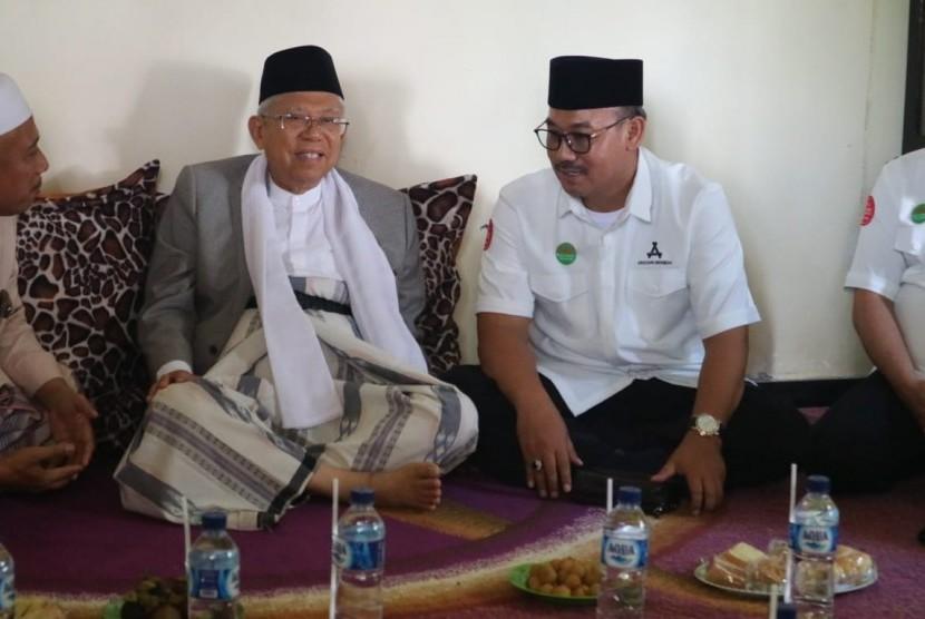 KH Ma'ruf Amin bersama Ketua Umum ARBI Lukmanul Hakim