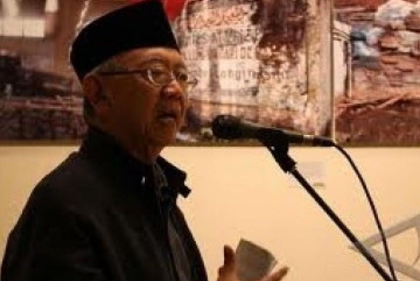 KH Sholahuddin Wahid (antara)