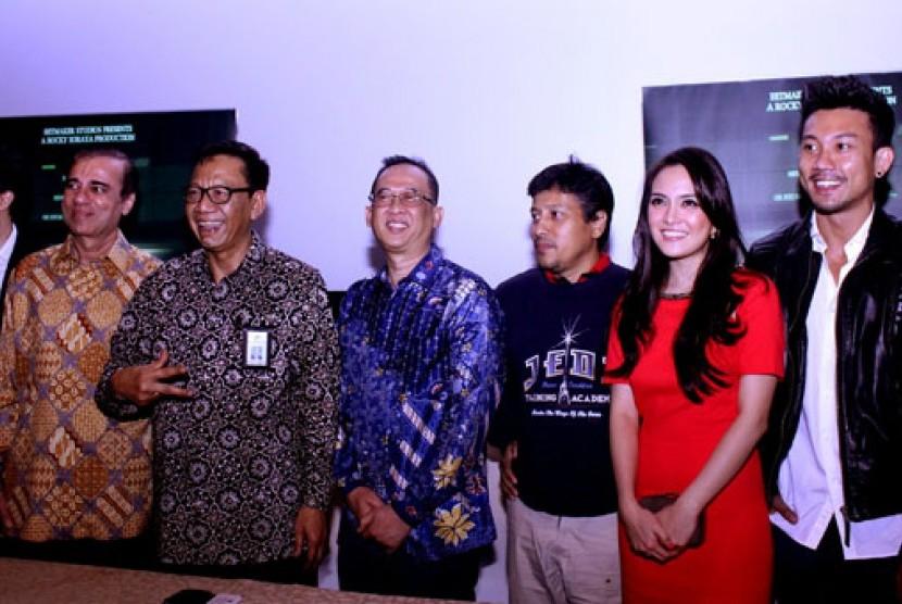 ki-ka: Rocky Soraya (Soraya Film), Raam Soraya (Soraya Film), Prof Ahman Sya (Dirjen Ekonomi Kreatif Berbasis Seni dan Budaya (EKSB), Armein Firmansyah (Direktur Pengembangan Industri Perfilman), Jose Poernomo (Sutradara), Shandy Aulia (Aktris) dan Denny S