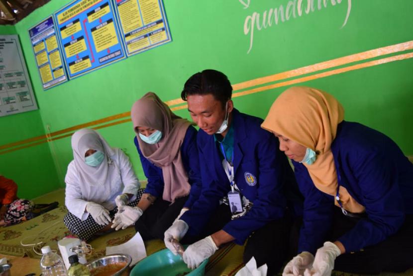 KKN Universitas Negeri Yogyakarta (UNY) di Dusun Gumawang, Desa Putat, Kecamatan Patuk, Kabupaten Gunungkidul.